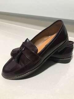 🚚 Dark Red Loafers