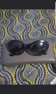 PRELOVED AUTHENTIC PRADA SHADES