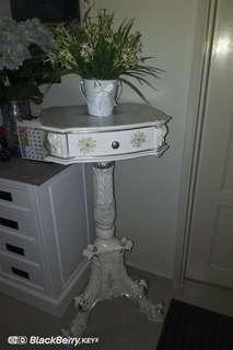 Made in Italy Decorative Table