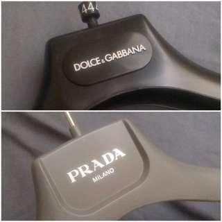 🈹️PRADA D & G 衣架 Coat Suit hangers 4個