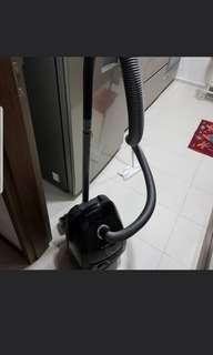 Bosch Vacuum Cleaner (BGL3A330GB)