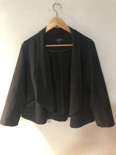 🚚 Plus Size Cropped Jacket