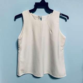 🚚 White Basic Sleeveless Top