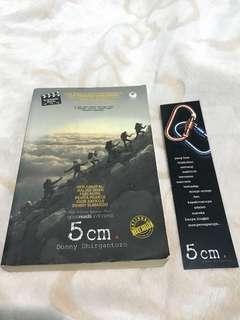 Buku Novel 5cm