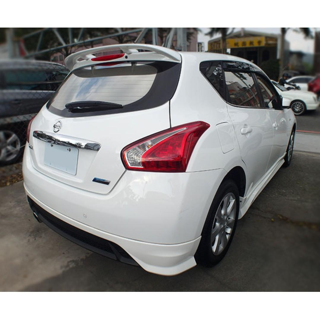 2015年Nissan Tiida 1.6 白『阿賢精選車坊』賞車專線:0908169110