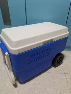 56 Quarts Ice Box w/ Wheels
