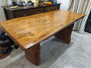 Solid wood table (brand new)