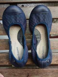 hush puppies flat shoes