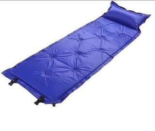 Automatic inflatable cushion