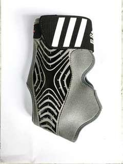 Ankle support RIGHT foot adidas