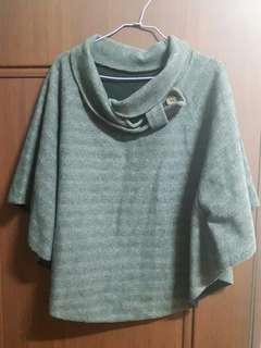 🚚 灰色罩衫披風