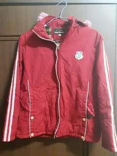 🚚 紅色厚外套