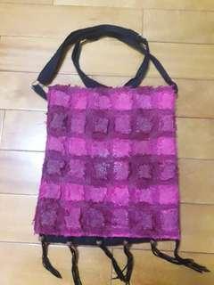 🚚 桃紅色側背包