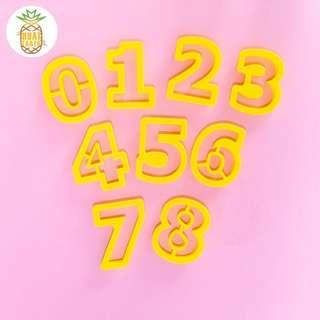 Numbers cookie cutters set