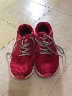 🚚 Fila shoes excellent condition