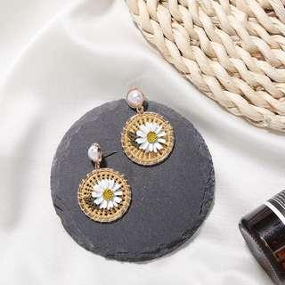 🌼 (包郵) 全新韓國文青小菊花小雛菊草藤珍珠耳環 Korean Style Daisy Flower Pearl Cute Earring