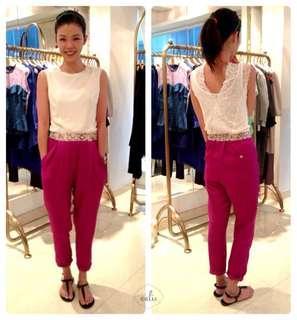 Tynvie's pants in magenta
