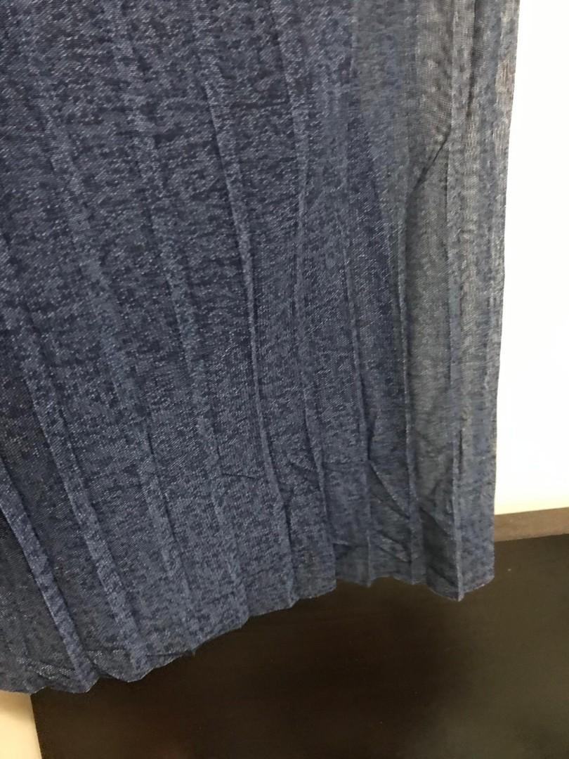 🈹️清貨🈹️低於批發價✔ [日本] 深藍色 雪紡料 百摺長裙  $200