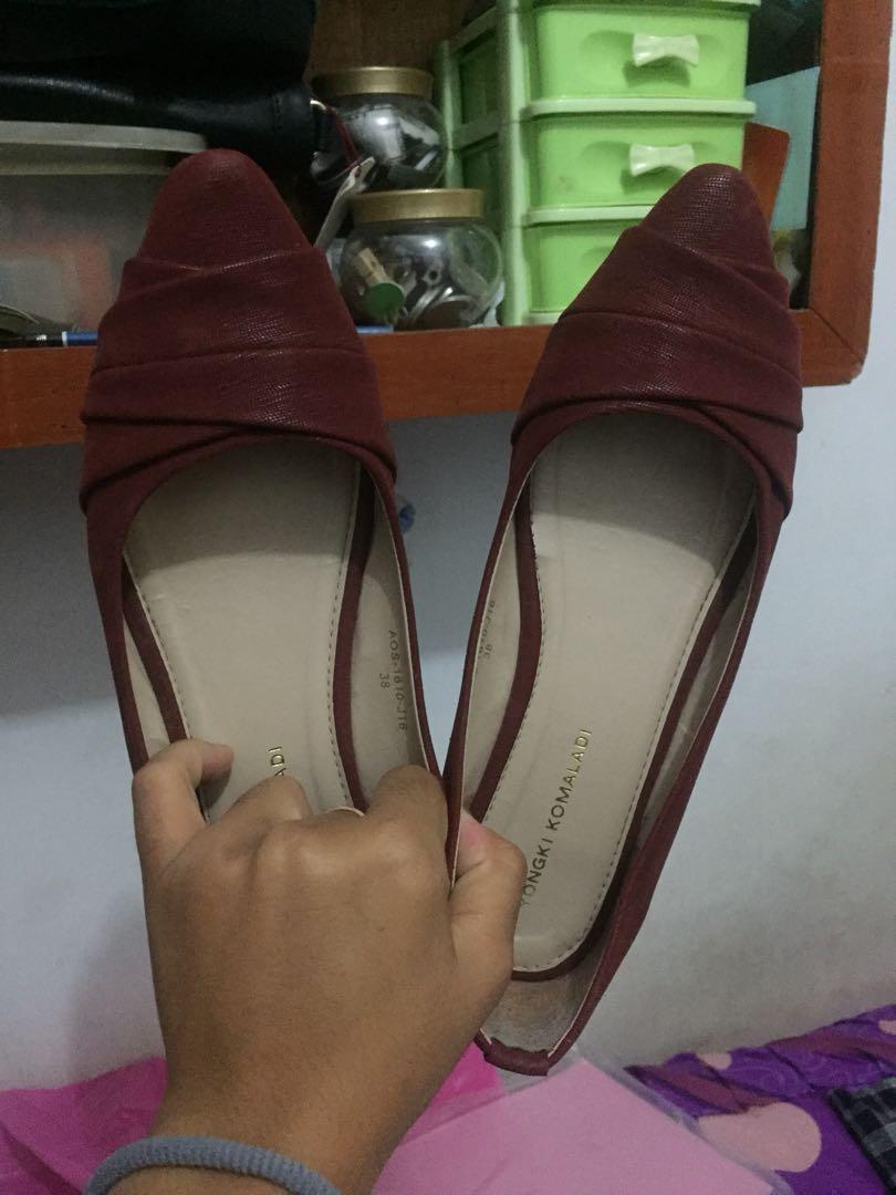 Flat Shoes maroon yongki komaladi