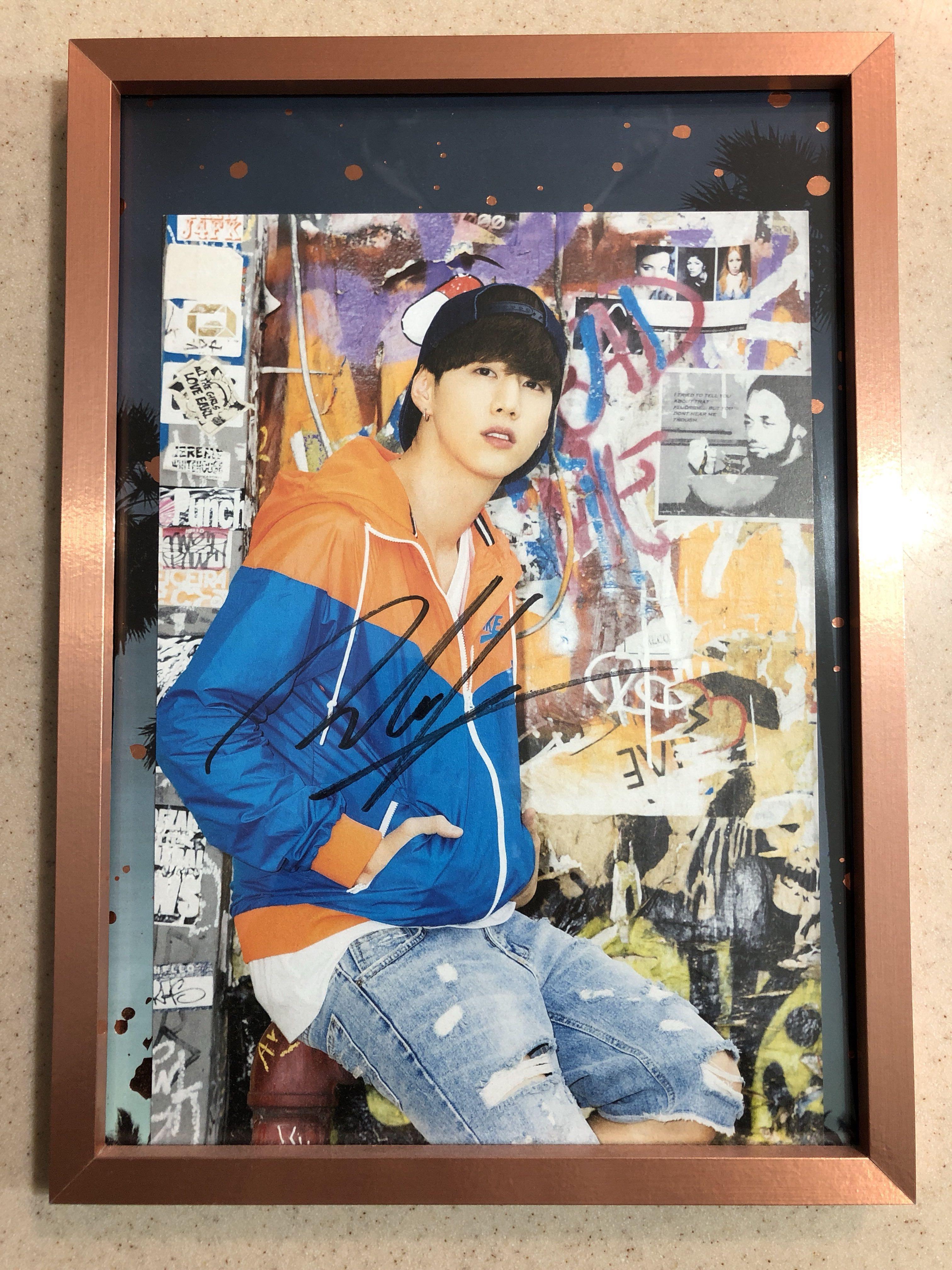 GOT7 Official Mark signed Gotcha Perfect Getaway in L.A. Postcard
