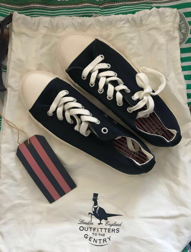 Jack Wills Canvas shoes AU 7 comes with that bag & tag