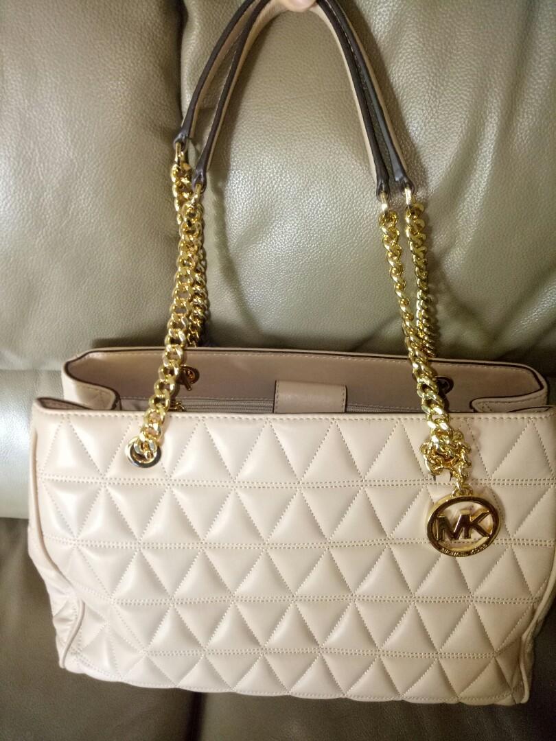 7008f101b917e8 Home · Luxury · Bags & Wallets · Handbags. photo photo photo photo