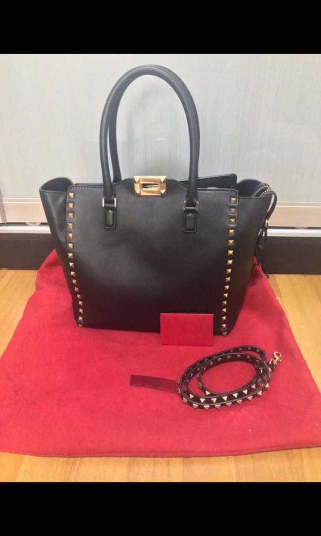 d1bed7765b Valentino Rockstud Tote, Luxury, Bags & Wallets, Handbags on Carousell