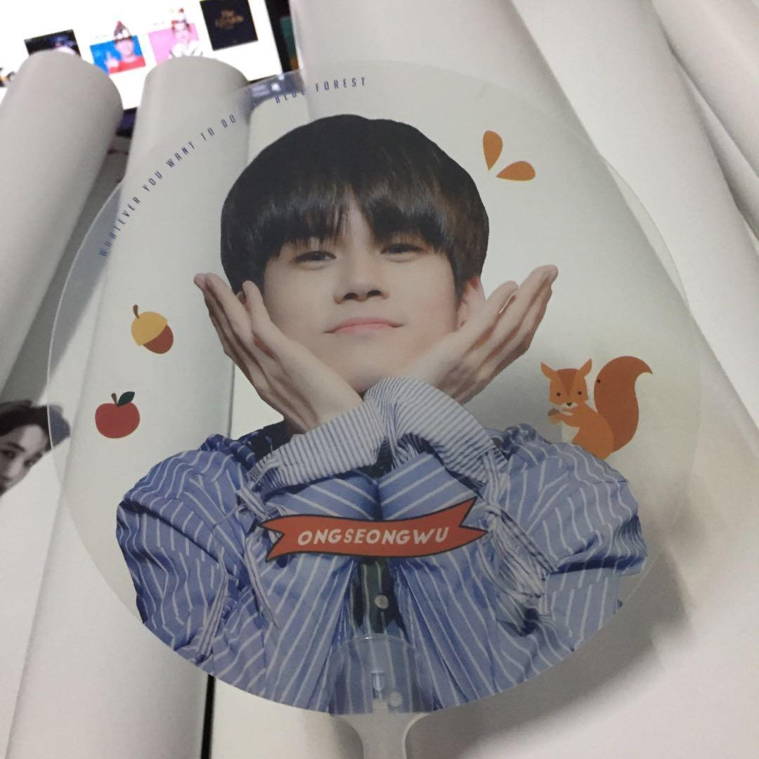 [WTS] ONG SEONGWU TRANSPARENT HANDFAN BY BLUE FOREST
