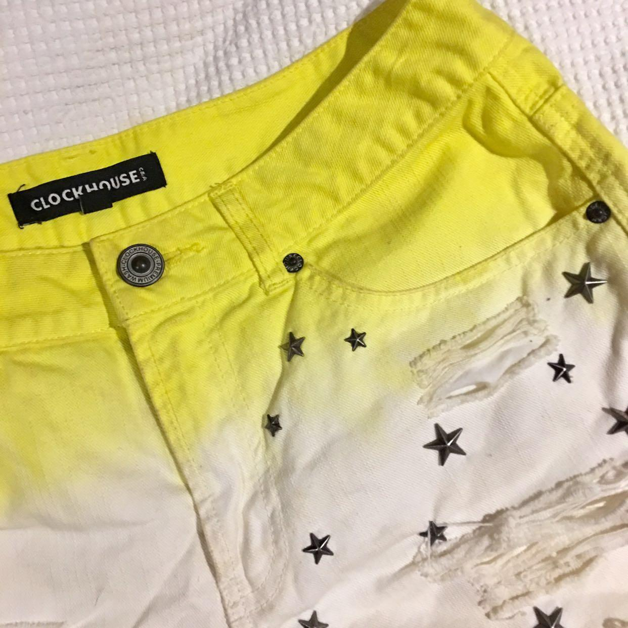 Yellow & white gradient short with star rivet