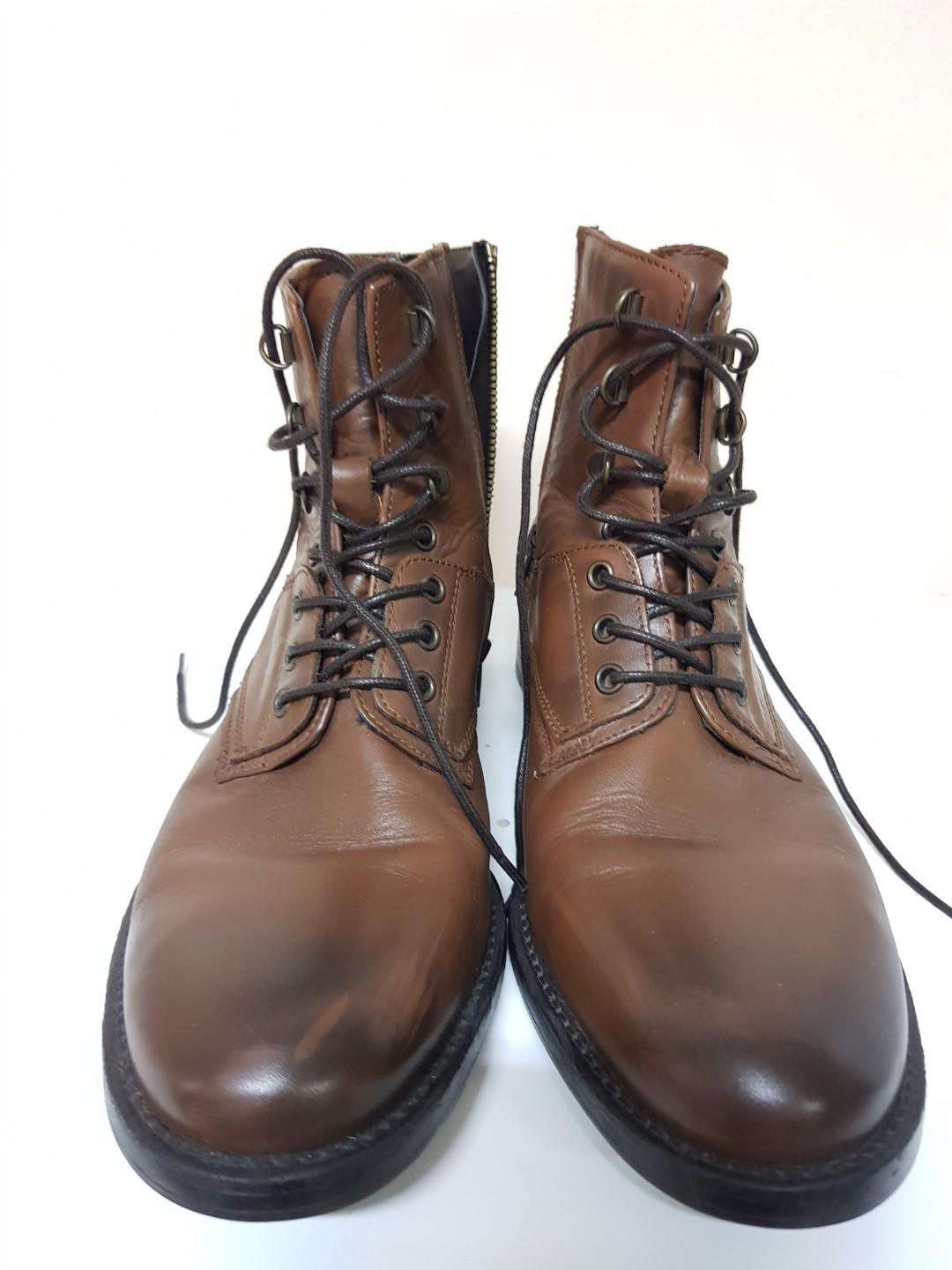 a1897a6de2c Zara Leather Boots, Men's Fashion, Footwear, Formal Shoes on Carousell