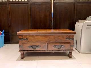 手工打造實木桌椅