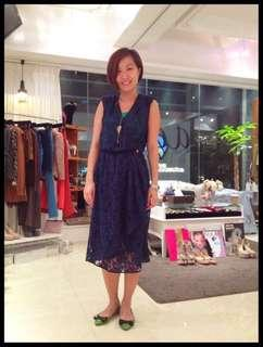 aalis's lace dress in navy