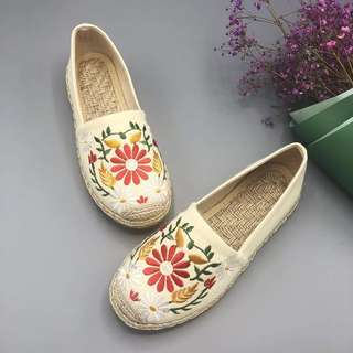 03f3900443d Tory Burch inpsr embroidery canvas Shoes