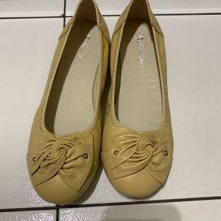🚚 軟皮 休閒鞋