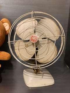 奇異牌古董電風扇