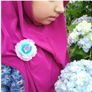 Hijab pin / floral felt brooch for girls