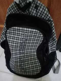 Planet surf backpack TURUN HARGA JDI 100 RBU DOANG KHUSUS HARI INI harga awal 150