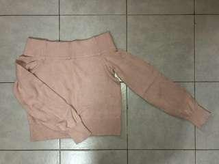 🚚 H&M Knitted Off shoulder top