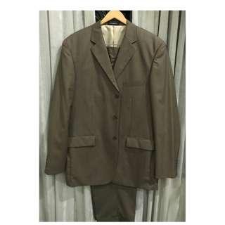 Premium Men's Suit - Olive colour - size XL (39 inch waist)