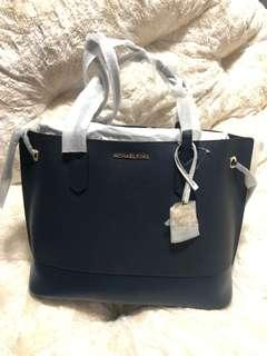 🚚 Trista Tote Bag from $450 now at $280