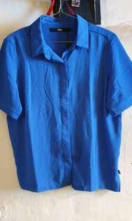 Mossimo mall pull out blouse
