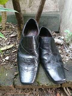 Sepatu fantofel Bally Switzerland