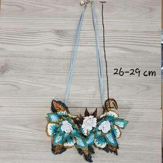 Kalung Bunga Batik Hijau besar
