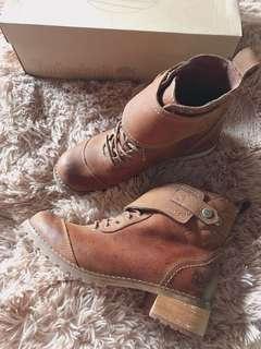 降價出清⬇️Timberland 低跟咖啡皮革馬靴