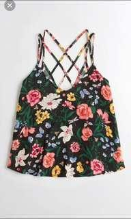 🚚 BN hollister strappy back floral camisole