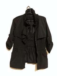 近全新 正貨 短版 風衣外套 黑色 七分袖 立體 出清