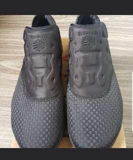 Reebok laceless ortho shoes