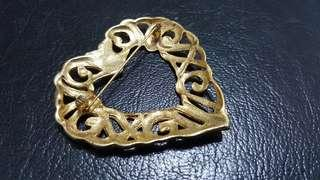 Brooch for scarf