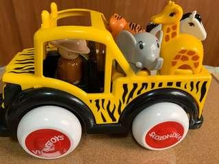 Viking Safari Toys Includes Driver, Giraffe, Tiger and Elephant