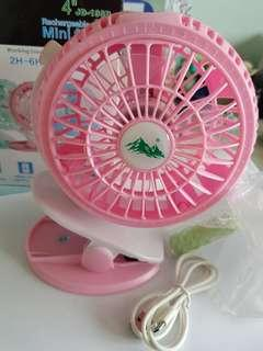 Usb rechargeable fan for stroller